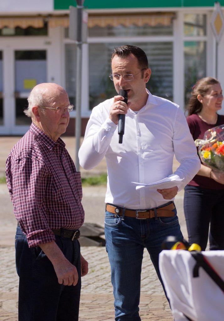 Künstler Hermann Strübing, Amtsdirektor Marko Köhler, Frühlingsfest im Amt Brück