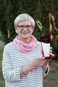 Heike Günther mit ihrem Preis