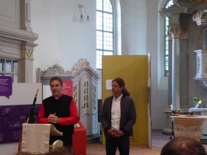 Brück, Pfarrer Helmut Kautz, Mauer