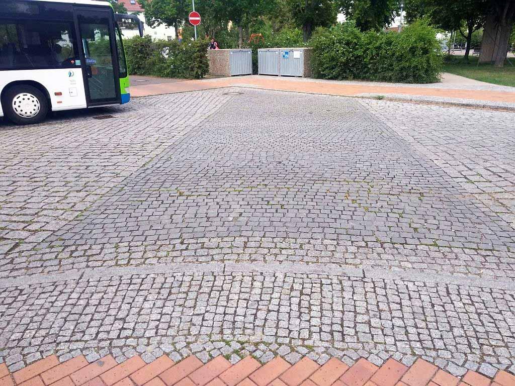 Busbahnhof-Lehnin_1