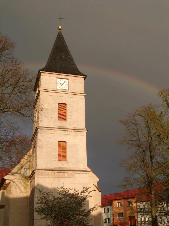 Lambertuskirche mit Regenbogen, Brück