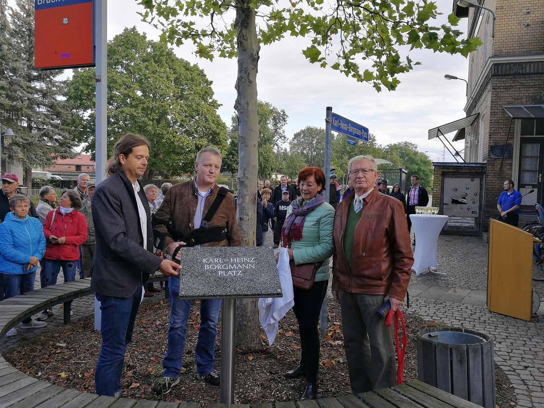 Brück, Gedenktafe, Karl-Heinz-Borgmann-Platz, Matthias Schimanowski, Uwe Borgmann, Margrid Wernicke, Lothar Koch