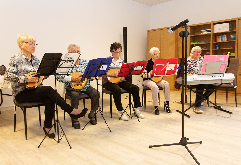 AWO, AWO-Treff, Brück, Mandolinengruppe