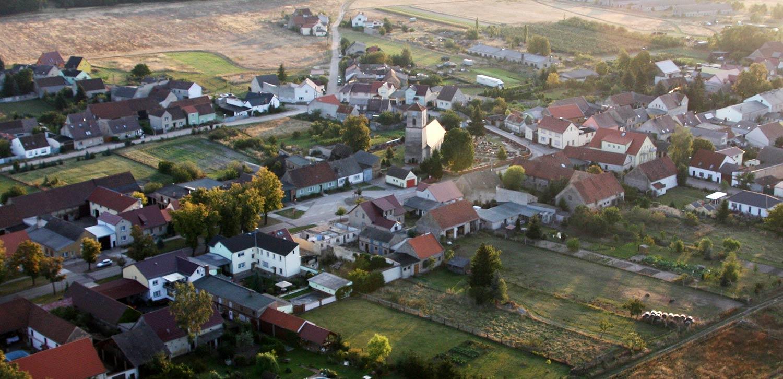 Kirche-Cammer-aus-der-Luft