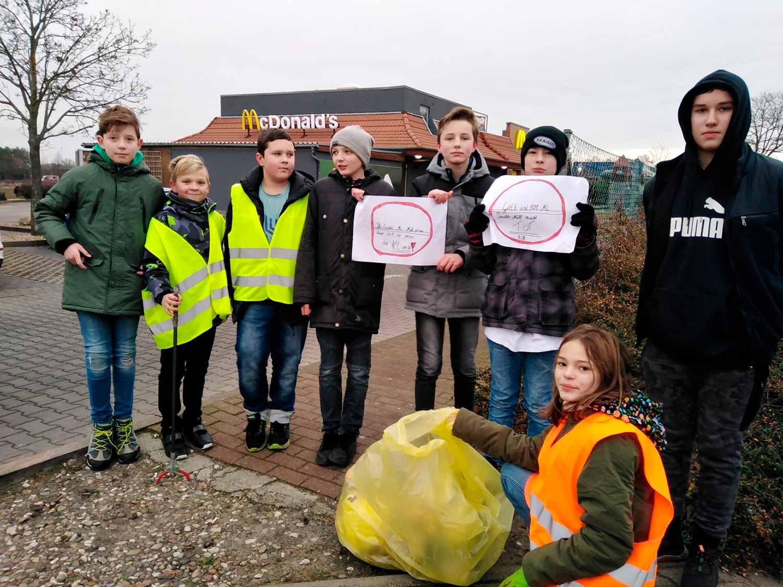 Müllaktion, Müll, Brück, Schüler