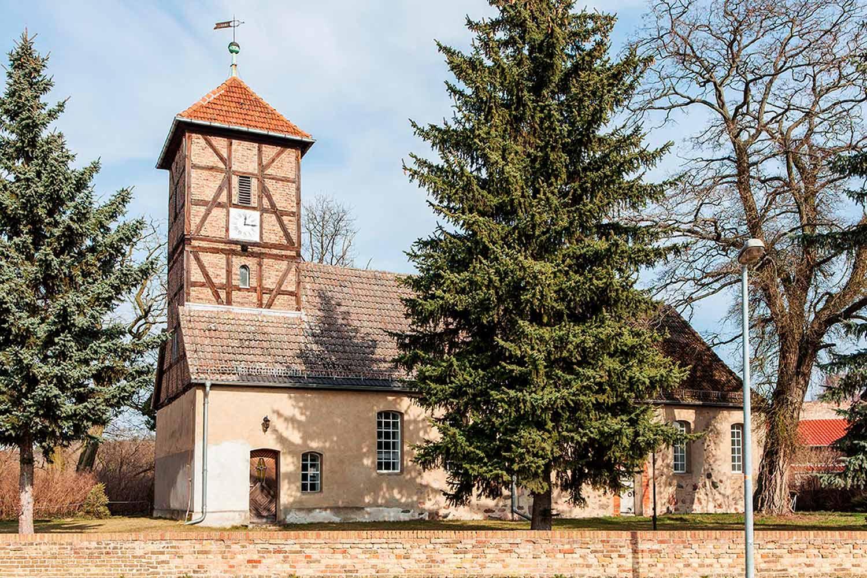 Neuendorf, Turmzier, Kirche