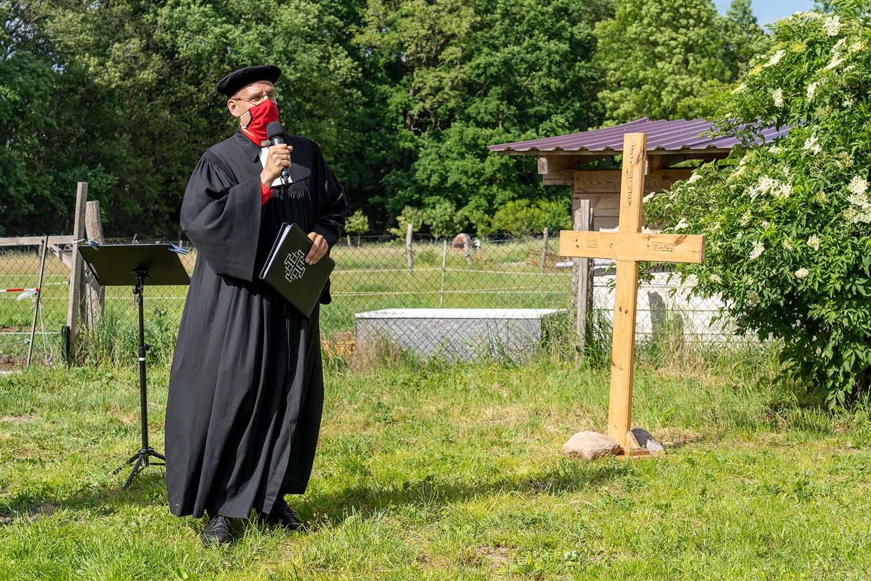 Friedensglocke, Gömnigk, Glockenguss, Pfarrer Helmut Kautz