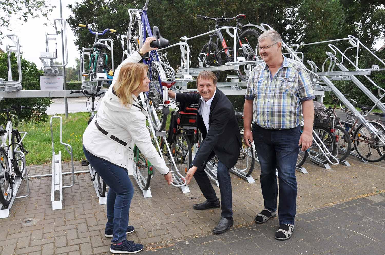 Einweihung-Rail-&-Bike-Goetz-Bhf.-20-07-01-1