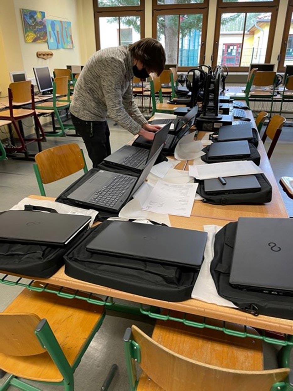 Amt-Brueck-Laptops